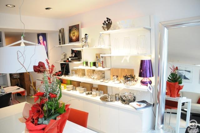 blog fenzy design mobilier et am nagements contemporains le showroom en d cembre. Black Bedroom Furniture Sets. Home Design Ideas